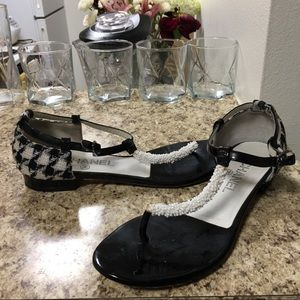 •LOW PRICE MAKE OFFER• $1100 RETAIL CHANEL SANDALS